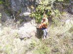 proses-evakuasi-pendaki-tersesat-hingga-berada-di-dekat-kawah-gunung-batur.jpg
