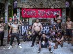 punks-reformasi-saat-menggarap-video-musik-bali-bersama-jrx.jpg