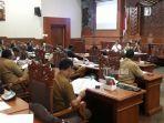 rapat-dengar-pendapat-di-dprd-kota-denpasar-tentang-ppdb-smp-tahun-2019.jpg