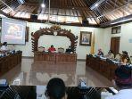 rapat-kerja-antara-komisi-iii-dewan-perwakilan-rakyat-daerah-dprd-dengan-dinas-pekerjaan-umum.jpg