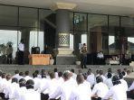 ratusan-mahasiswa-saat-mendapat-arahan-dari-kepala-bpbd-provinsi-bali-made-rentin-di-kampus.jpg