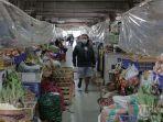 ribuan-pedagang-pasar-di-denpasar-tutup-selama-ppkm-darurat.jpg
