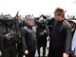 ritual-adat-kebo-keboan-alas-malang-banyuwangi_20180923_175647.jpg