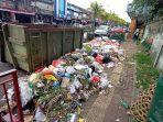salah-satu-tempat-penampungan-sampah-yang-menumpuk-dan-meluber-ke-jalan-di-tabanan.jpg