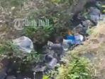 sampah-di-selokan-di-tukad-taman-pancing-denpasar_20180604_214018.jpg
