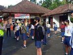 satlantas-polres-bangli-memberikan-edukasi-pada-siswa-baru-di-sman-2-bangli.jpg