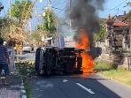 sebuah-mobil-pikap-nopol-dk8378-gn-terbakar-di-jalan-raya-banda-desa-takmung.jpg