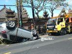 sebuah-mobil-suzuki-x-over-plat-dk-814-yv-mengalami-kecelakaan-lalu-lintas.jpg