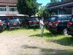sejumlah-mobil-dinas-di-halaman-belakang-sekretariat-dprd-bangli-selasa-2042021.jpg