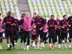 sejumlah-pemain-manchester-united-melakukan-latihan-ringan-jelang-hadapi-final-liga-europa.jpg