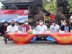 sekda-wayan-adi-arnawa-secara-resmi-membuka-acara-padat-karya-tunai-desa.jpg