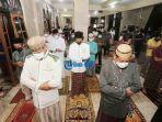 shalat-tarawih-malam-pertama-ramadhan-1442-h-di-denpasar-bali-1.jpg
