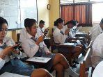 siswa-smk-prada-dalung-saat-mengikuti-ujian-sekolah.jpg