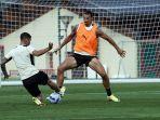 striker-ac-milan-zlatan-ibrahimovic-mulai-berlatih-dengan-skuad-rossoneri.jpg