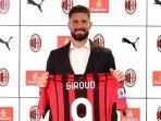 striker-baru-ac-milan-oliver-giroud-mengenakan-jersey-rossoneri-bernomor-keramat-9.jpg