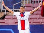 striker-psg-berkebangsaan-prancis-kylian-mbappe-merayakan-selebrasi-seusai-mencetak-gol.jpg