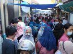 suasana-di-hari-pertama-ngabuburit-di-pasar-ramadhan-masjid-raya-baiturrahmah-2021.jpg