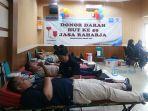 suasana-donor-darah-di-ruangan-kembang-kenanga-kantor-pt-jasa-raharja-cabang-bali.jpg