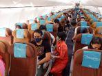 suasana-kabin-pesawat-pada-penerbangan-ga-420-cgk.jpg