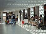 suasana-kedatangan-penumpang-di-terminal-kedatangan-domestik.jpg