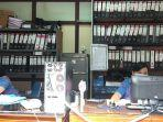 suasana-kerja-di-kantor-perumda-air-minum-tirta-sanjiwani-gianyar-selasa-482020.jpg