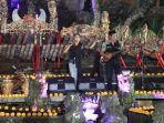 suasana-musisi-saat-tampil-dalam-lokaswara-festival-yang-digelar-di-lotus-cafe-ubud.jpg