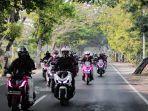 suasana-peserta-touring-adv-satu-hati-jelajah-nusantara-saat-melintas-di-jalanan-lombok-sumbawa.jpg