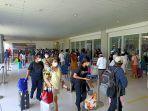 suasana-pintu-masuk-terminal-keberangkatan-domestik-bandara-internasional-i-gusti-ngurah-rai-kj.jpg