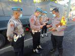 suasana-saat-petugas-propam-melaksanakan-pemeriksaan-terhadap-personel-polres-tabanan.jpg