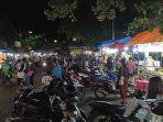 suasana-terlihat-ramai-di-pasar-kreneng-saat-ramadhan.jpg