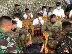 tim-mtt-sfab-us-army-belajar-alat-musik-tradisional-bali.jpg