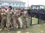 tim-mtt-sfab-us-army-melakukan-giat-latma-menembak-dan-pjd-di-mako-yonif-mekanis.jpg