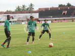 tim-sriwijaya-fc-berlatih-di-stadion-kapten-i-wayan-dipta_20170206_154205.jpg