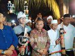 tokoh-masyarakat-hadiri-acara-pawai-obor-keliling-malam-takbiran-di-kampung-islam-kepaon.jpg
