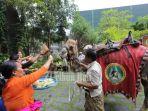tumpek-kandang-di-bali-safari-and-marine-park-gianyar_20161126_195611.jpg