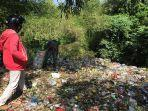 tumpukan-sampah-di-tps-liar-yang-berlokasi-di-perbatasan-banjar-dangin-pangkung-desa-kekera.jpg