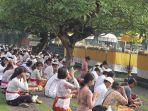 umat-hindu-di-bali-bersembahyang-di-pura-agung-jagatnatha-denpasar.jpg