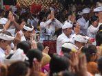 umat-hindu-melaksanakan-persembahyangan-hari-raya-kuningan-di-pura-sakenan.jpg