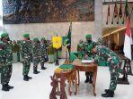 upacara-sertijab-tiga-pati-dan-acara-tradisi-laporan-korps-pejabat-kodam-ixudayana.jpg