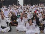 upacara-yadnya-pamahayu-jagat-di-pura-penataran-agung-besakih-karangasem-bali.jpg