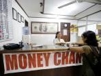 valutas-asing-penukaran-uang.jpg