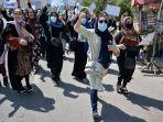 wanita-afghanistan-demo.jpg