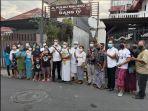 warga-gang-iv-jalan-pulau-maluku-iii-kelurahan-dauh-puri-kota-denpasar-bersama-lurah.jpg