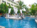 wedding-at-the-pool-swiss-belresort-watu-jimbar-sanur.jpg