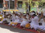 yayasan-werdhi-castra-smk-pembangunan-denpasar-melaksanakan-upacara-ngenteg-linggih.jpg