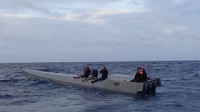 AS Tangkap Kapal Selam Misterius, Begitu Ditangkap Ternyata Milik Geng Narkoba, Isinya Bikin Syok