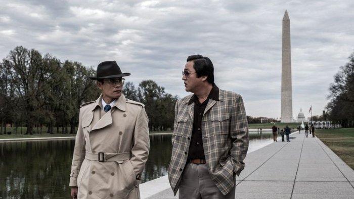 Sinopsis Film Korea The Man Standing Next, Drama Ketidakadilan Politik Memakan Korban
