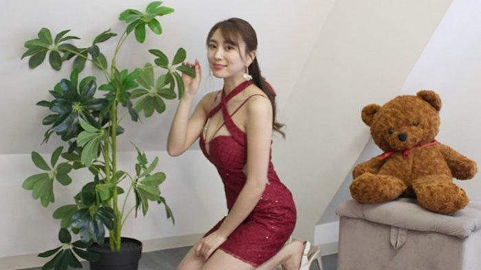 Tomomi Morisaki, Gadis Cantik Seksi Idola Jepang Yang Kini Lagi Naik Daun, Mulai Belajar Golf