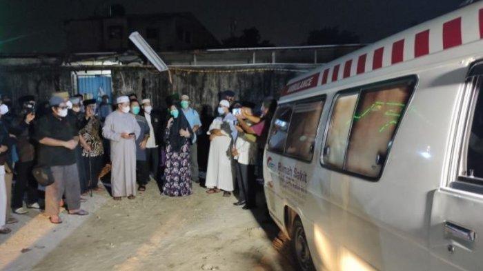 Suasana Salat Jenazah Ustaz Tengku Zulkarnain di RS Tabrani Pekanbaru