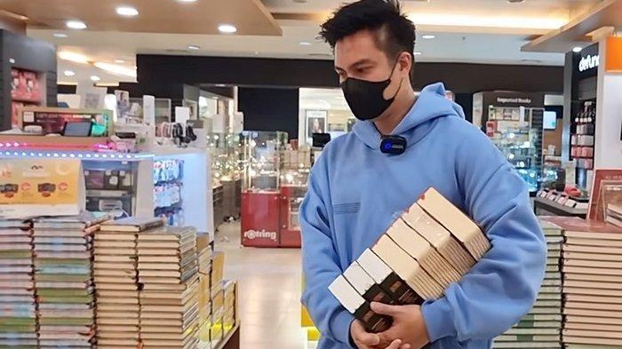 Baim Wong Berbagi, Gratiskan Semua Pembeli di Minimarket, Banyak yang Bingung, 'Rezeki Nenek Soleh'